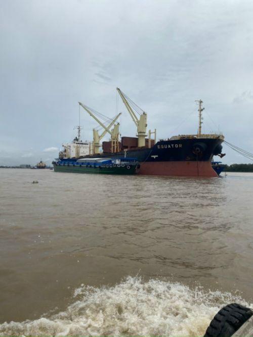 Cho thuê xà lan tại TPHCM - Vận chuyển nội địa đường sông giá tốt từ TPHCM đi miền Tây  - Ảnh: 1