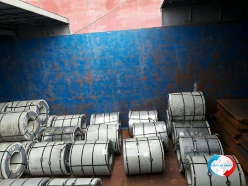 XNK Đại Kim Phát chuyên vận chuyển hàng sắt thép từ HCMC /Việt Nam đi Campuchia bằng Sà Lan, dịch vụ trọn gói giao hàng tại kho cho khách, giá chỉ từ 55USD/MT