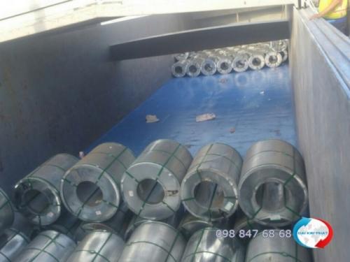 Từng chuyển sà lan của Dịch Vụ Hải Quan Trọn Gói - XNK Đại Kim Phát vẫn cần mẫn mỗi ngày vận chuyển hàng sang nước bạn - Campuchia