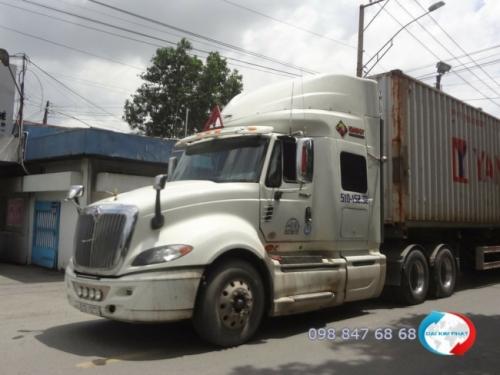 Dịch vụ vận chuyển hàng hóa bằng xe tải cung cấp bởi Dịch Vụ Hải Quan Trọn Gói - XNK Đại Kim Phát