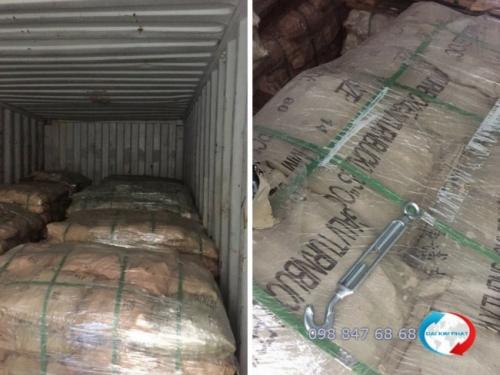 Hải quan kiểm tra lô hàng tạm nhập tại Việt Nam và tái xuất sang Campuchia - dịch vụ khai báo hải quan hàng tạm nhập tái xuất từ Dịch Vụ Hải Quan Trọn Gói - XNK Đại Kim Phát (1)