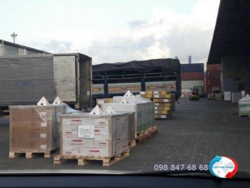 Dịch vụ Door to Door: giao nhận hàng từ kho, vận chuyển hàng về tận kho cho khách - từ Dịch Vụ Hải Quan Trọn Gói - XNK Đại Kim Phát