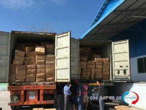Vận chuyển hàng từ Trung Quốc về TPHCM trong container - tập kết container tại cảng, kiểm tra hàng - Dịch Vụ Hải Quan Trọn Gói - XNK Đại Kim Phát
