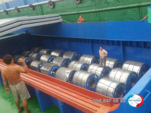 Cho thuê sà lan: Vận chuyển hàng hóa bằng đường thủy nội bộ, vận chuyển hàng đi Campuchia