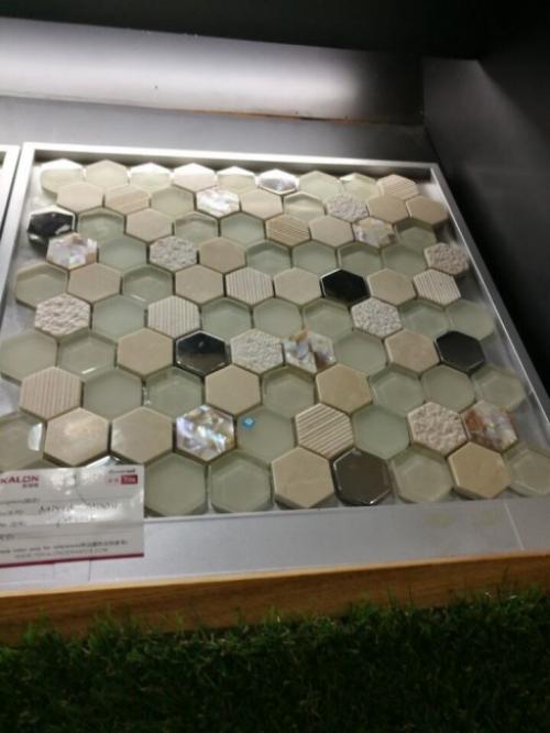 Gạch Mosaic hình tổ ong - Dịch Vụ Hải Quan Trọn Gói - XNK Đại Kim Phát hỗ trợ làm thủ tục nhập khẩu gạch nhanh chóng, tiết kiệm chi phí