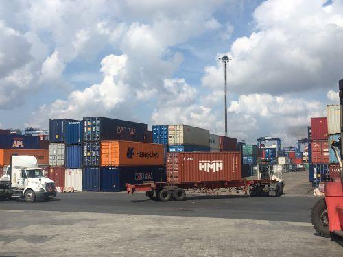 Dịch vụ vận tải nội địa của xuất nhập khẩu Nhật Minh Khánh