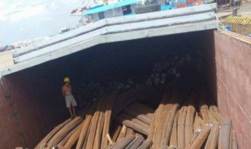 Sà lan vận chuyển sắt thép xây dựng
